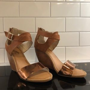 Metallic and light brown wedges!